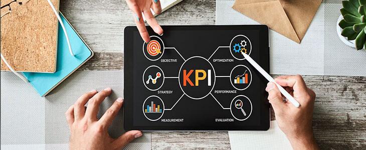 4 Essential Warehouse KPIs to Keep an Eye
